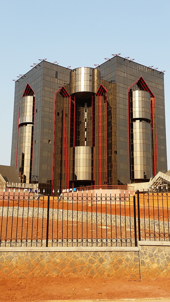 Construction du siège C.E.S. (Conseil Economique et Socia) à Yaoundé 6